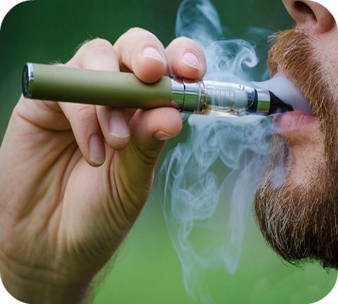 Aux Etats-Unis, plusieurs centaines de cas d'hospitalisations pour problèmes respiratoires sévères chez des utilisateurs de cigarettes électroniques ont été signalés ces derniers mois.