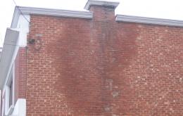 La condensation provoque des problèmes d'humidité dans les murs et réduit la température dans le conduit d'évacuation ce qui réduit encore davantage le tirage de la cheminée.