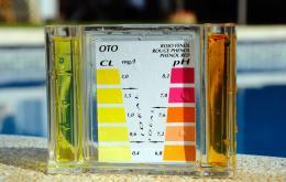 Respectez les quantités indiquées sur l'emballage ou suivez les conseils du vendeur. Il existe des tests pour vérifier la qualité de l'eau.