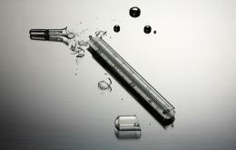 Lorsqu'un thermomètre se brise, le mercure doit être rapidement ramassé.