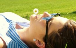 La réaction est proportionnelle à la dose, ceci tant pour le médicament que pour la lumière du soleil.